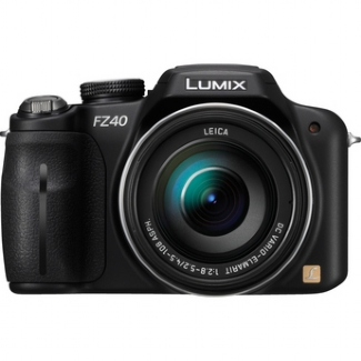 Panasonic Lumix DMC FZ40 - 14 Megapixels , 24x Optical Zoom, Digital Camera (Black)